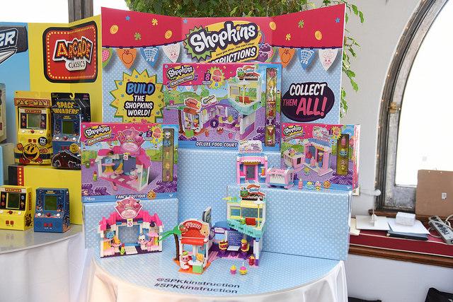 shopkins kinstruction holiday of play